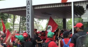 Trade-unions-protest-against-Brazil-budget-cuts